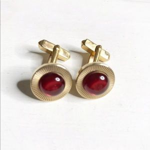 SWANK GOLD TONE RED STONE CIRCLE CUFF LINKS